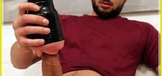 Bentley-Race-Kane-Wakeman-Massive-German-Uncut-Cock-Fleshlight-Aussiebum-hung-32